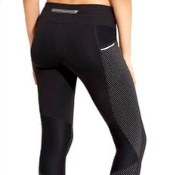 2c3c3c38668f7 Athleta Pants   Dot Be Free Leggings   Poshmark